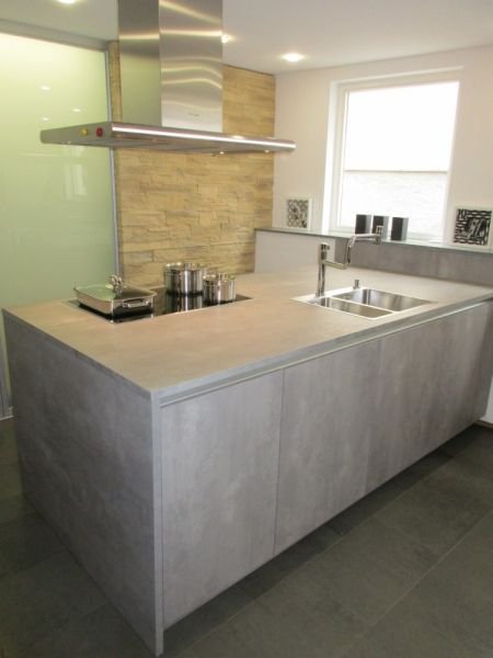 LEICHT Küchen, Programm IKONO I SYNTHIA #beton #miele # holzdekor - alno küchen arbeitsplatten