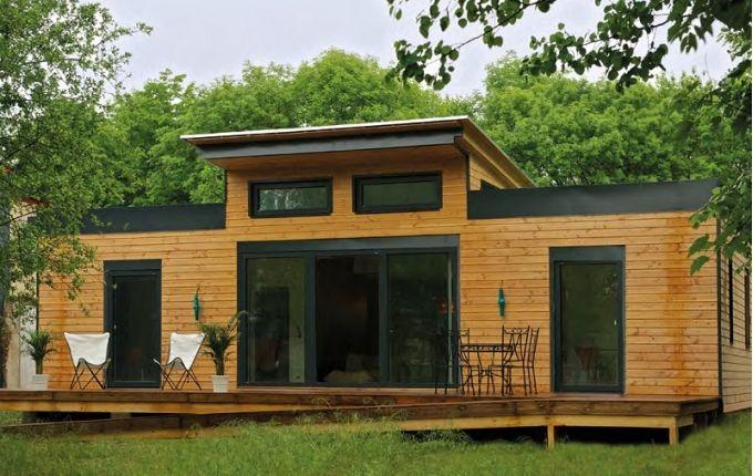Nouveau Concept De Maison En Bois à énergie Positive Dans Le Vermont  (société ECOxIA). Avantage De Ce Type De Cette Construction Bois : Une  économie ...