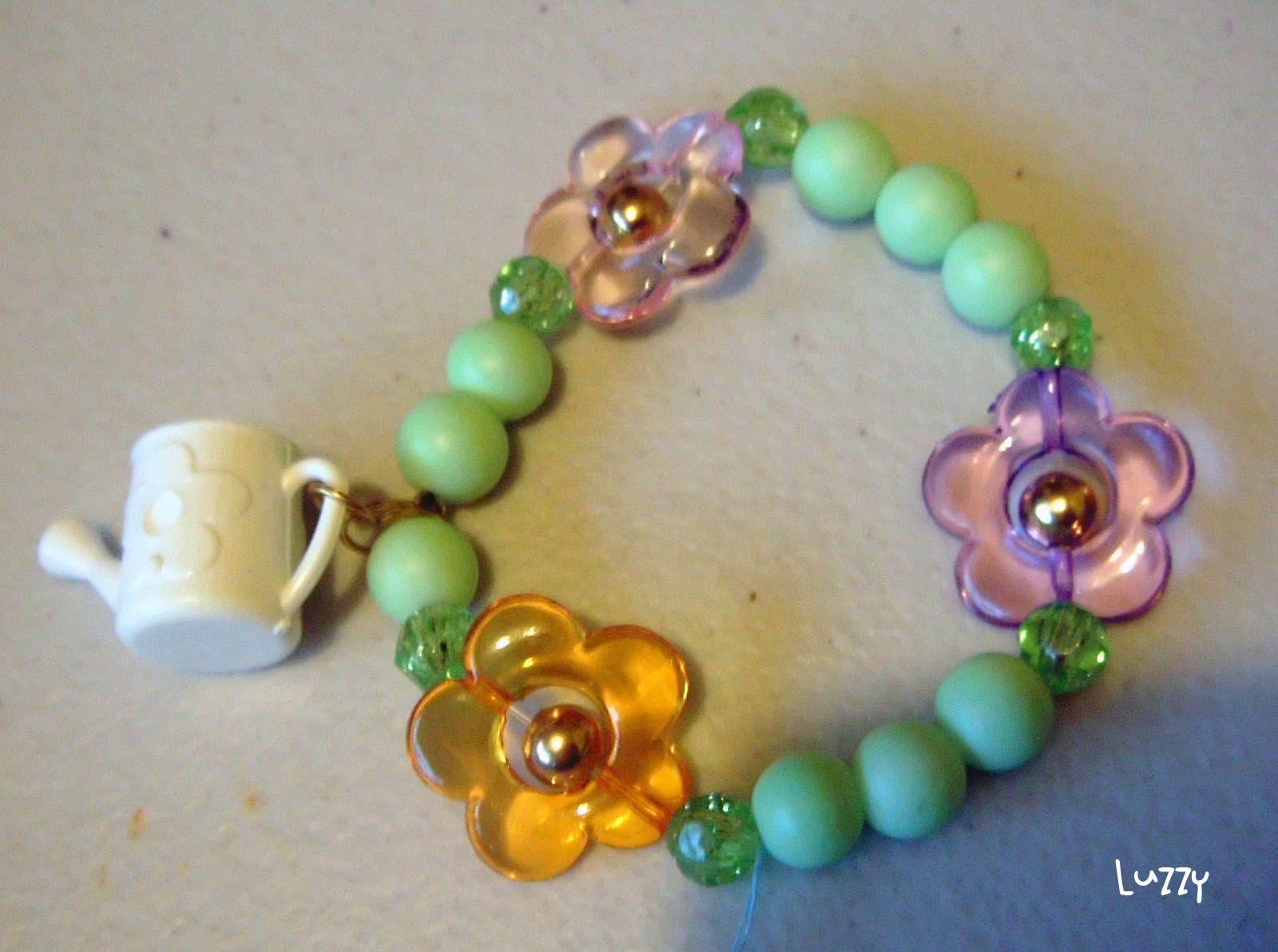 Pulsera jardín / Garden #bracelet with flowers  Pulsera con flores