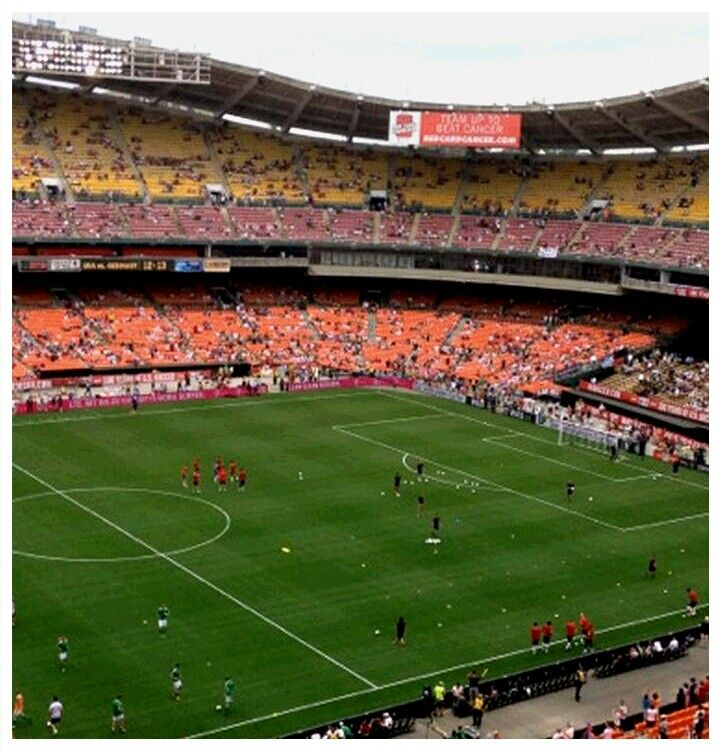 Robert F Kennedy Memorial Stadium Is A Multi Purpose Stadium Located Near The Anacostia River In Washington D C United Stat Washington Dc Washington The Unit