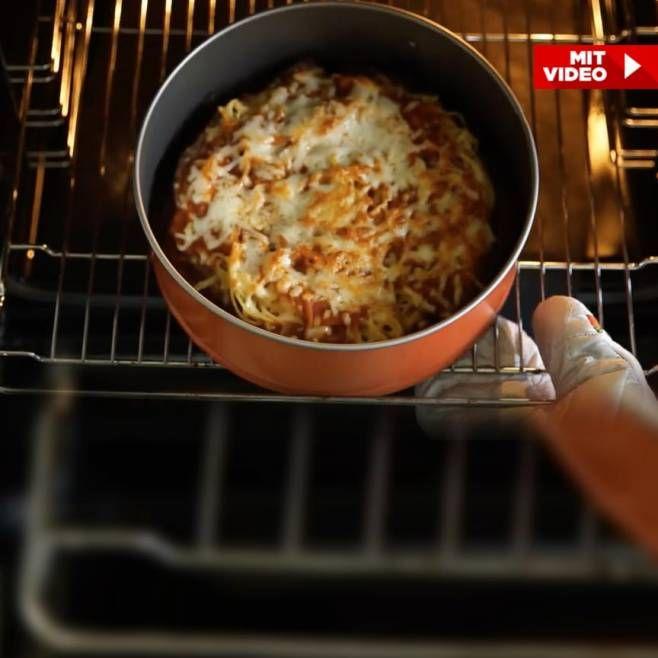 Spaghetti Bolognese in Kuchenform