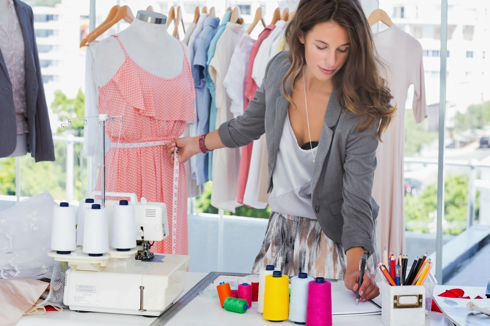 Career Options After Bsc In Fashion Designing Become A Fashion Designer Fashion Merchandising Fashion Jobs