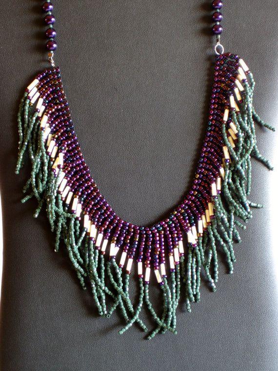 Collar americano nativo en púrpura verde y por MontanaTreasuresbyMJ