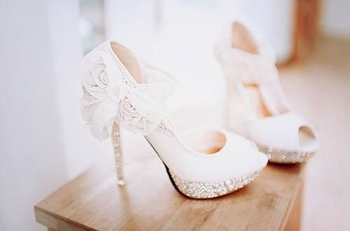1000  images about Bridal Shoes on Pinterest | Pump, Wedding and ...