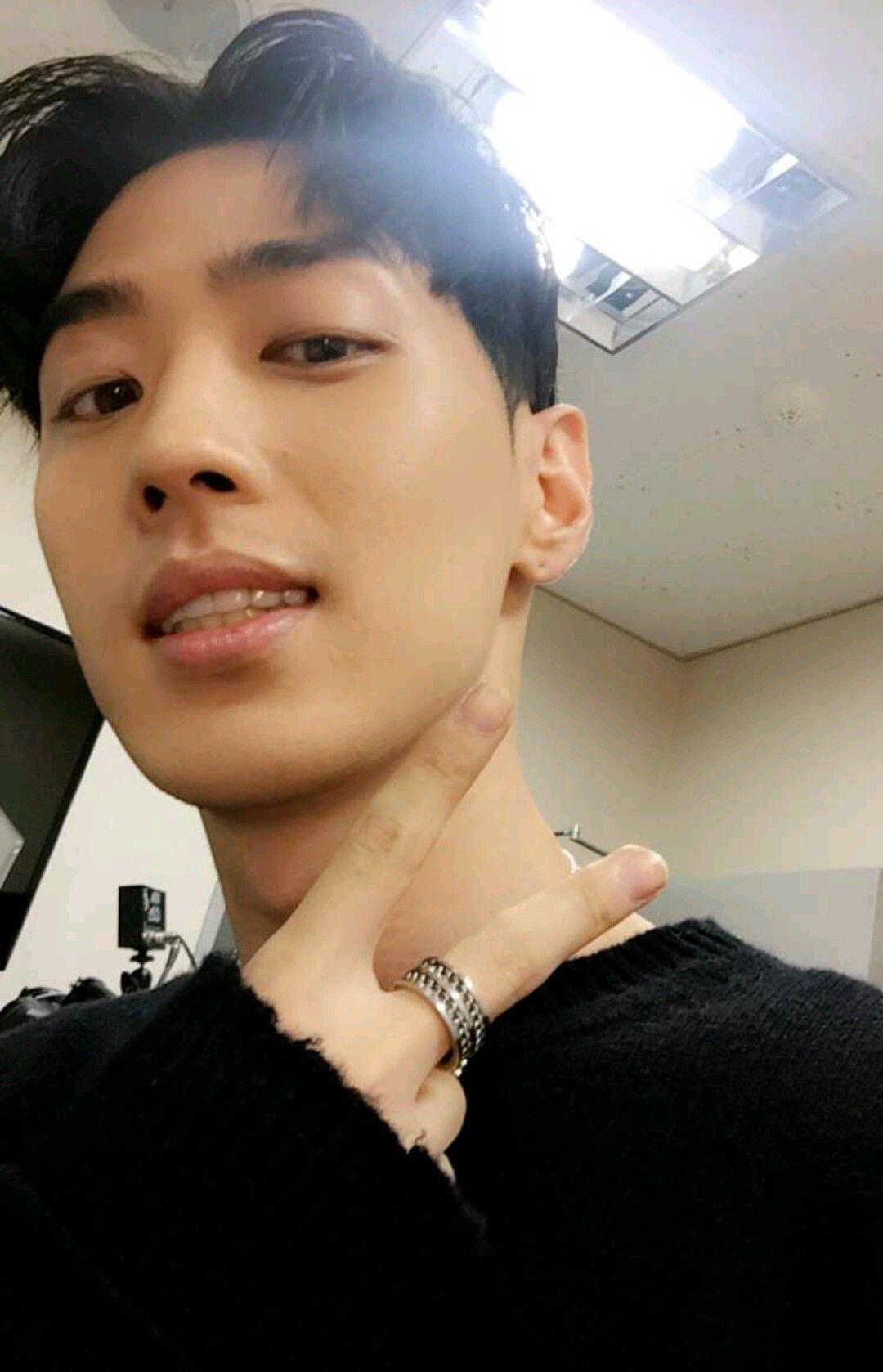 Aomg Gray Snapchat Selca Gray Aomg Jay Park Rapper