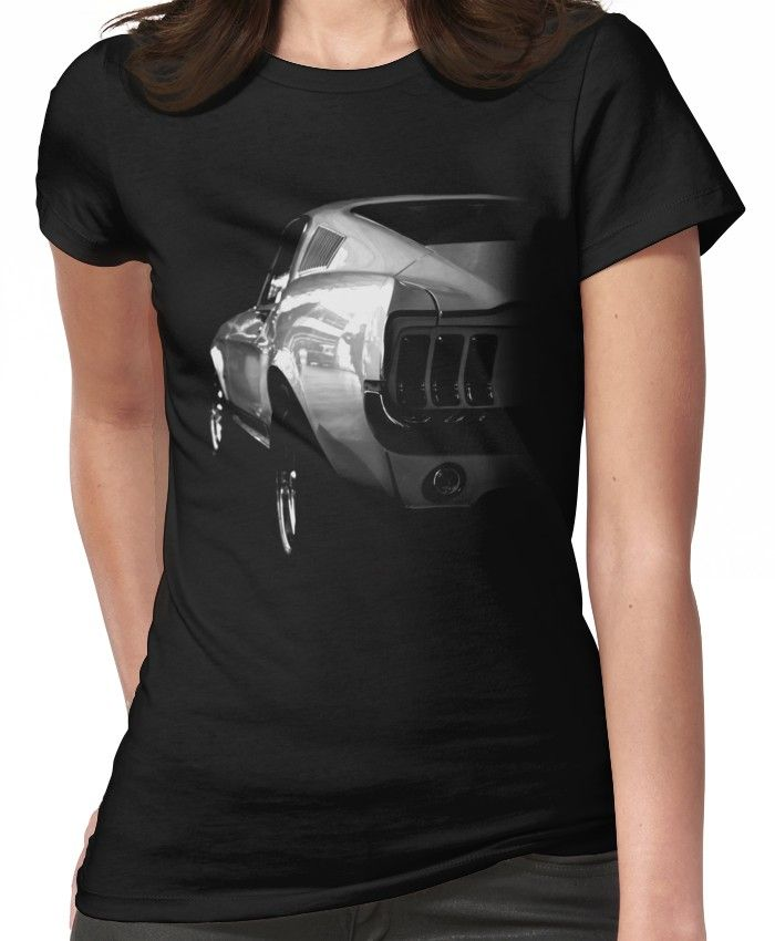 'ford Mustang V8' T-Shirt By Hottehue