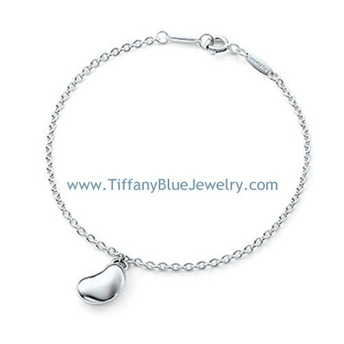 Elsa Peretti Bean bracelet in sterling silver Tiffany & Co. c6JdRMGMn3