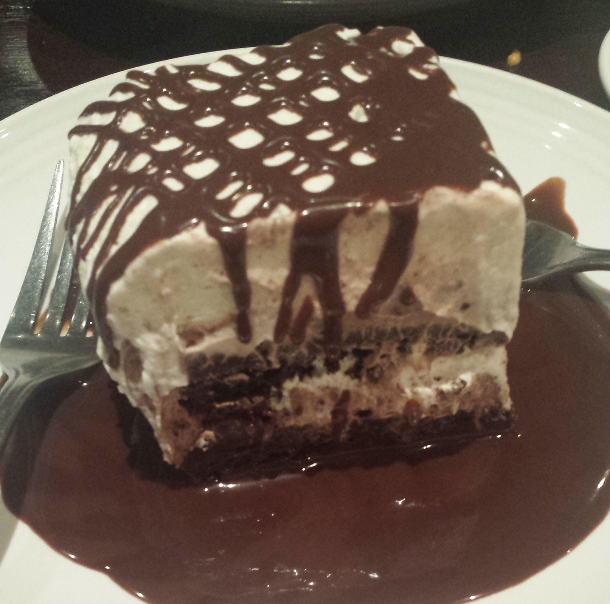 http://www.carrabbas.com/Content/menu-dessert-sogno-di-cioccolata  This is the best dessert ever!!!
