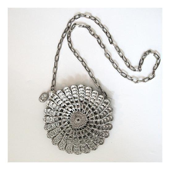 Diese Tasche ist nicht nur elegant und witzig, sondern ...