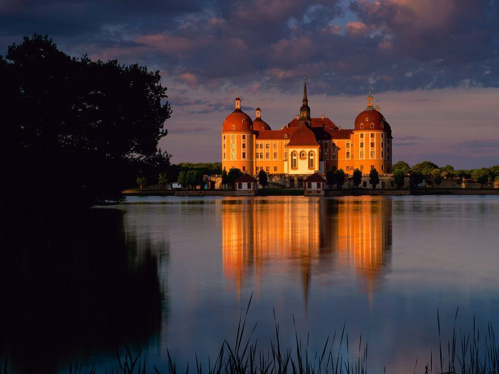 Moritzburg Castle Germany --> See more at http://www.everythingaboutgermany.com