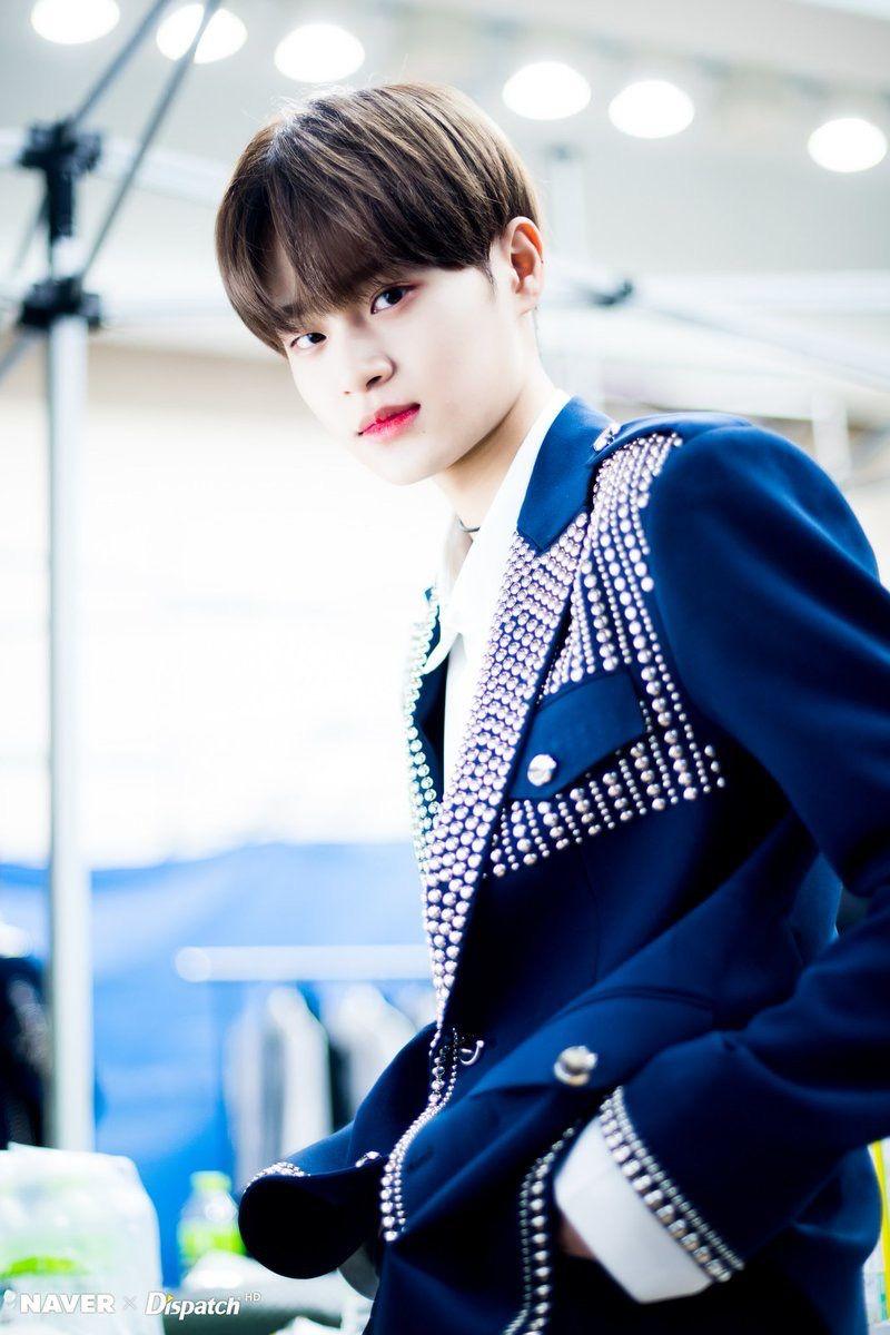 Naver x Dispatch Wanna One at Gaon Chart Music Awards
