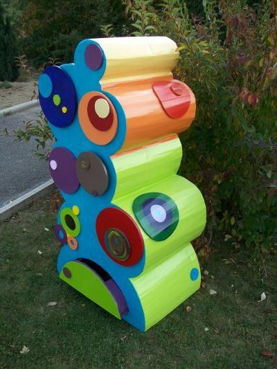 Meuble En Carton Rond Avec Tiroirs Multicolor Creation Meuble En Carton De Sofi68 N 30 590 Vue 8 263 Fois Meuble En Carton Carton Meubles En Carton