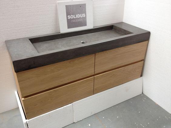Badmeubel eikenhout met lades en betonnen wastafel badkamer