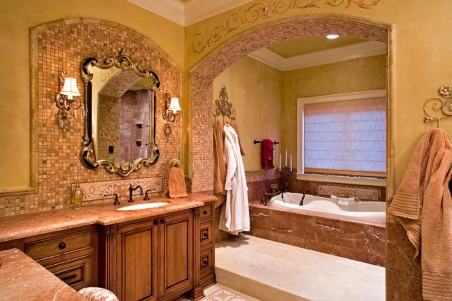 Luxurious master bathroom design in the Tuscan style. From ...
