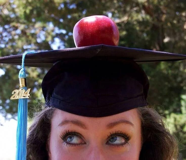 Online Teaching Degree College senior pictures, College