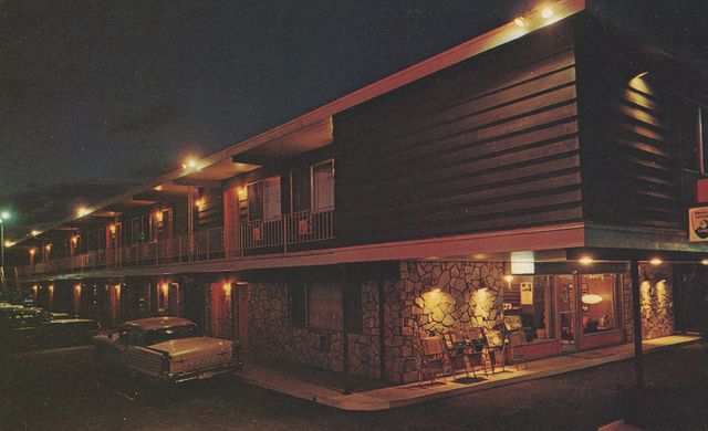 Royal Motor Inn Circa 1965 Moscow Idaho Inn House Styles Moscow Idaho