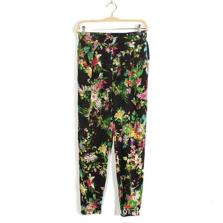 Plantas imprimen pantalones harem negro