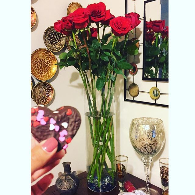 3 Foot Red Roses And A Valentine S Day Treat Image Via Princess Alexisamore On Instagram Theultimaterose Com Instagram Images Rose Delivery Colorful Roses