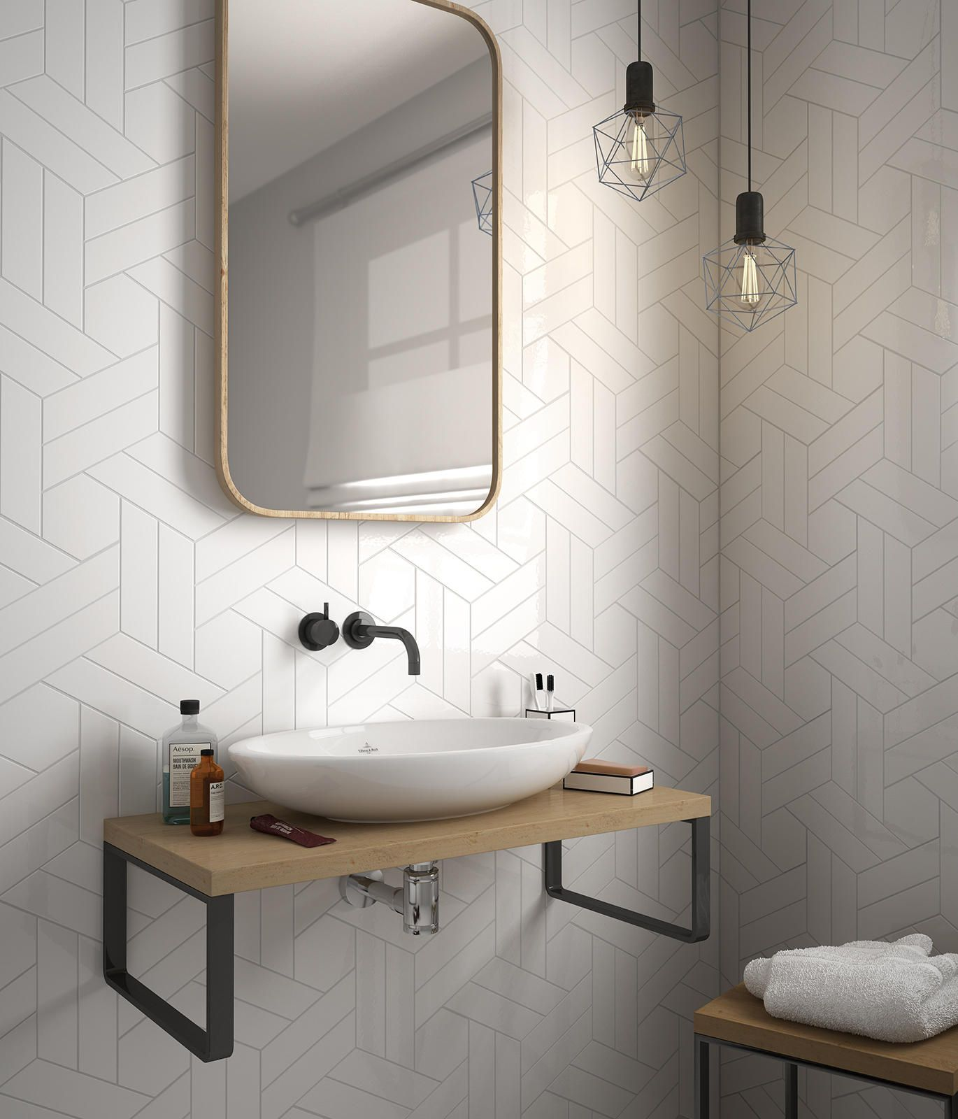 ChevronWall White Scale White Bathroom.jpg 1.370×1.600 píxeles ...