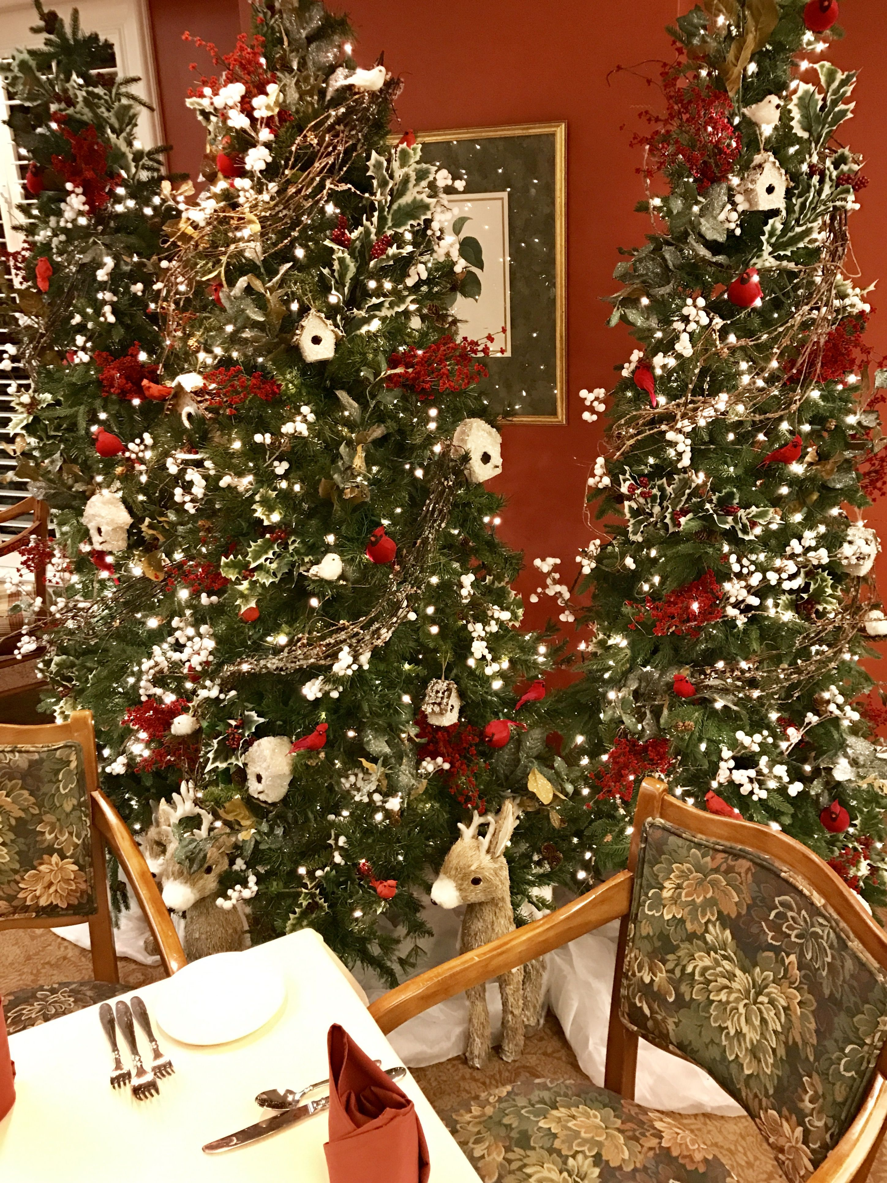 Christmas Tree Decorating At Evansville Country Club With Red