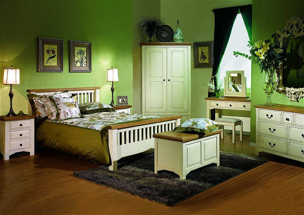 Green Room! | For the parents | Pinterest | Green rooms, Green ...