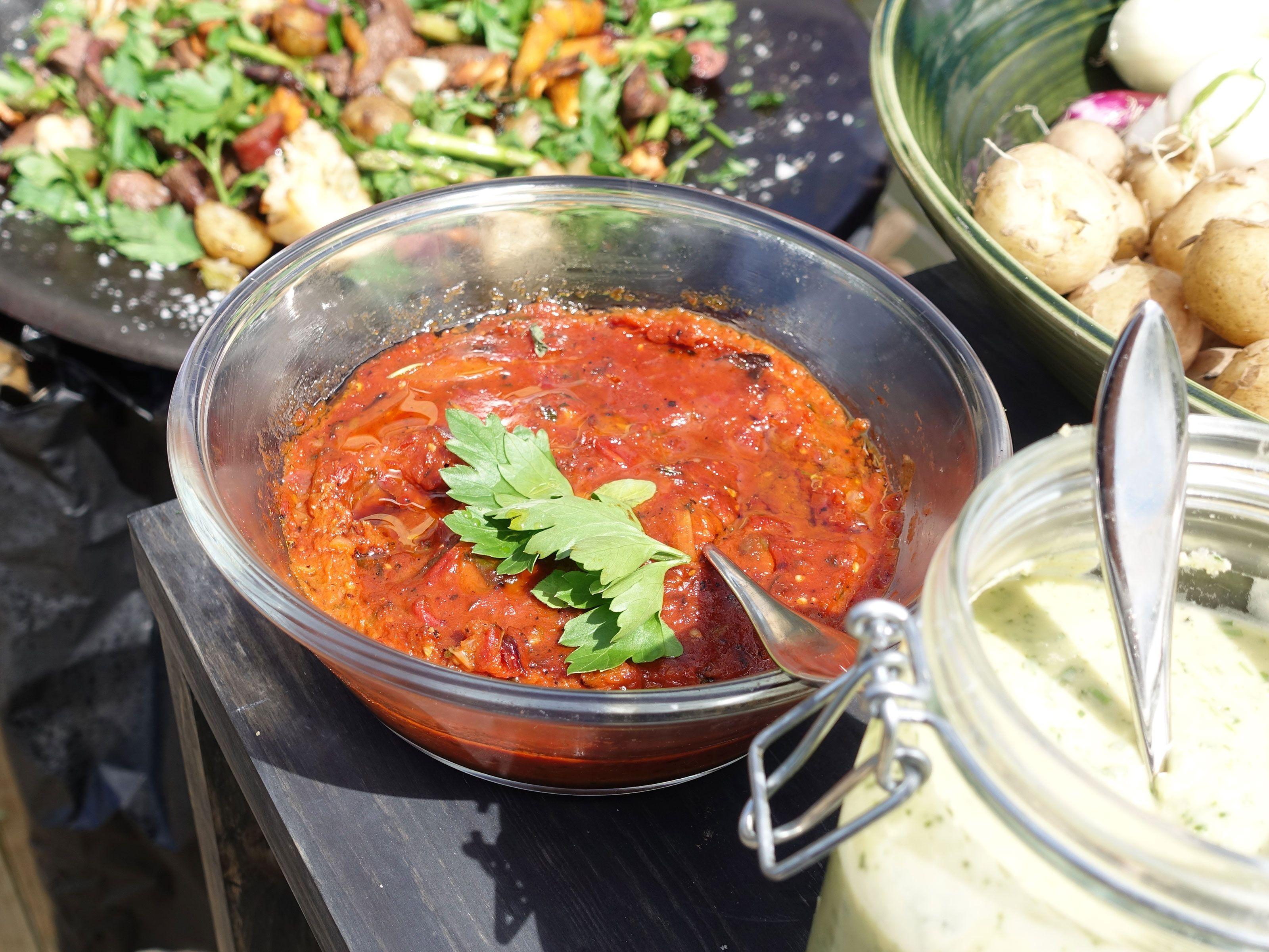 hemmagjord makrill i tomatsås