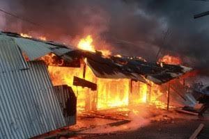 Beberapa kios di Cinere, Depok Terbakar