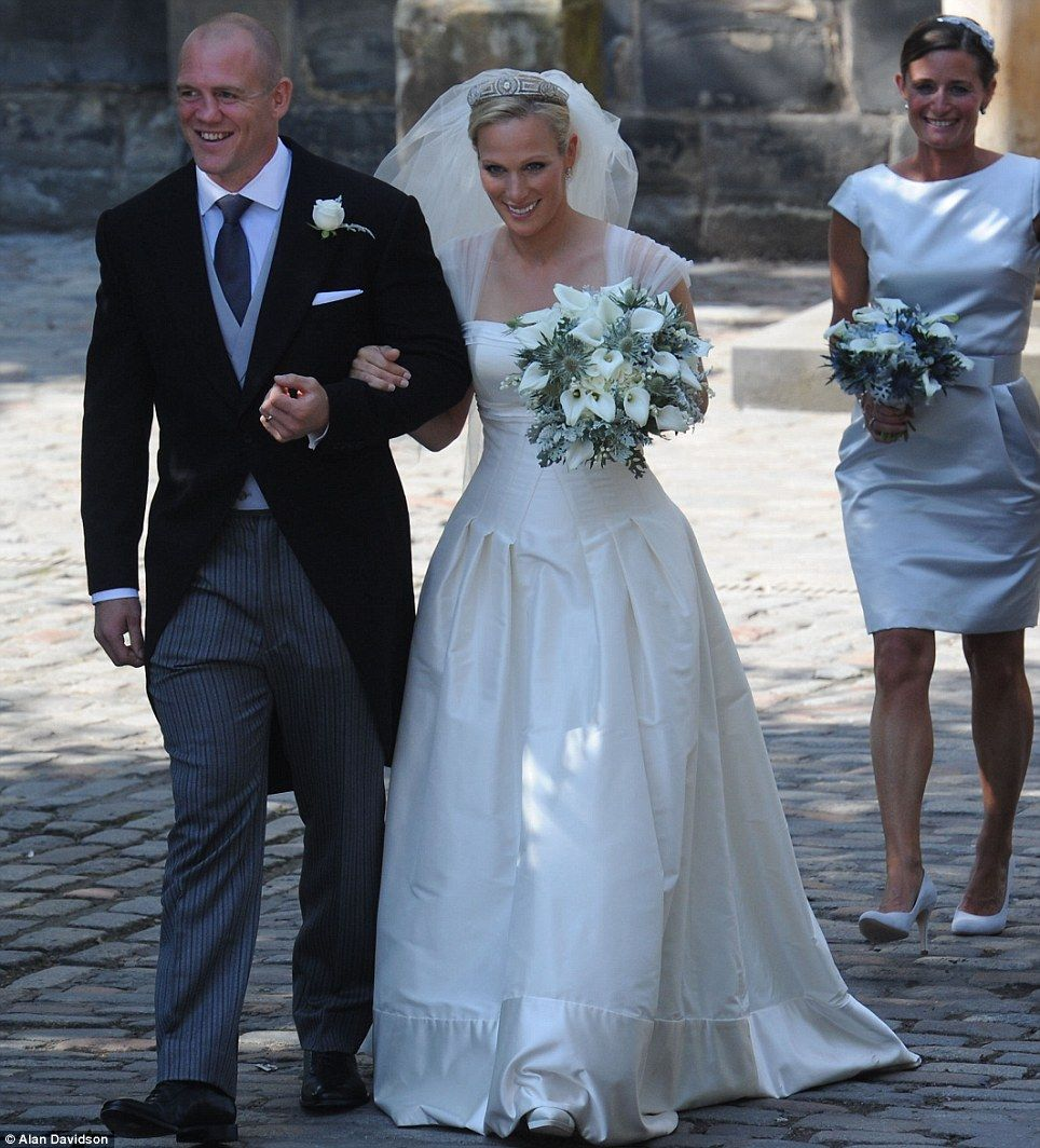 Give us a kiss! Newlyweds Zara Phillips and Mike Tindall mark their ...