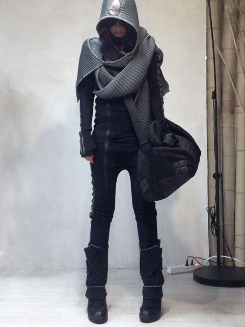 Ok this is more cyberpunk-futuristic (not steampunk) but I have no board for that. DEMOBAZA - WOMAN - A/W 2013 -  PREVIEW