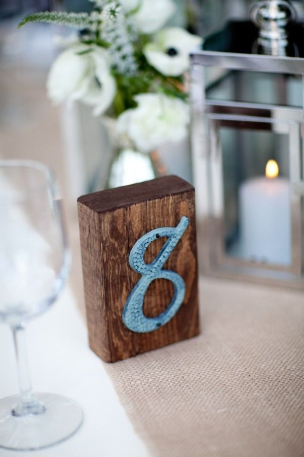 Wooden table number - via SMP, Palm Springs Wedding III, photo: Mi Belle