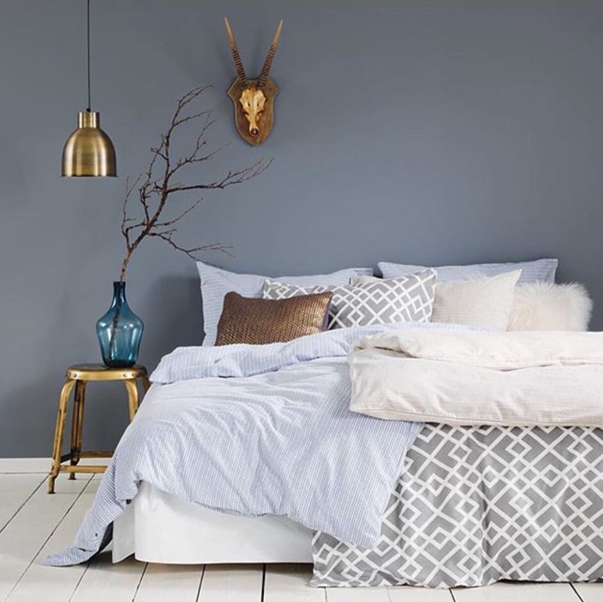 Bedroom wallcolour arcadia in 2019 pinterest schlafzimmer wohnung schlafzimmer and - Schlafzimmer ideen weiay ...
