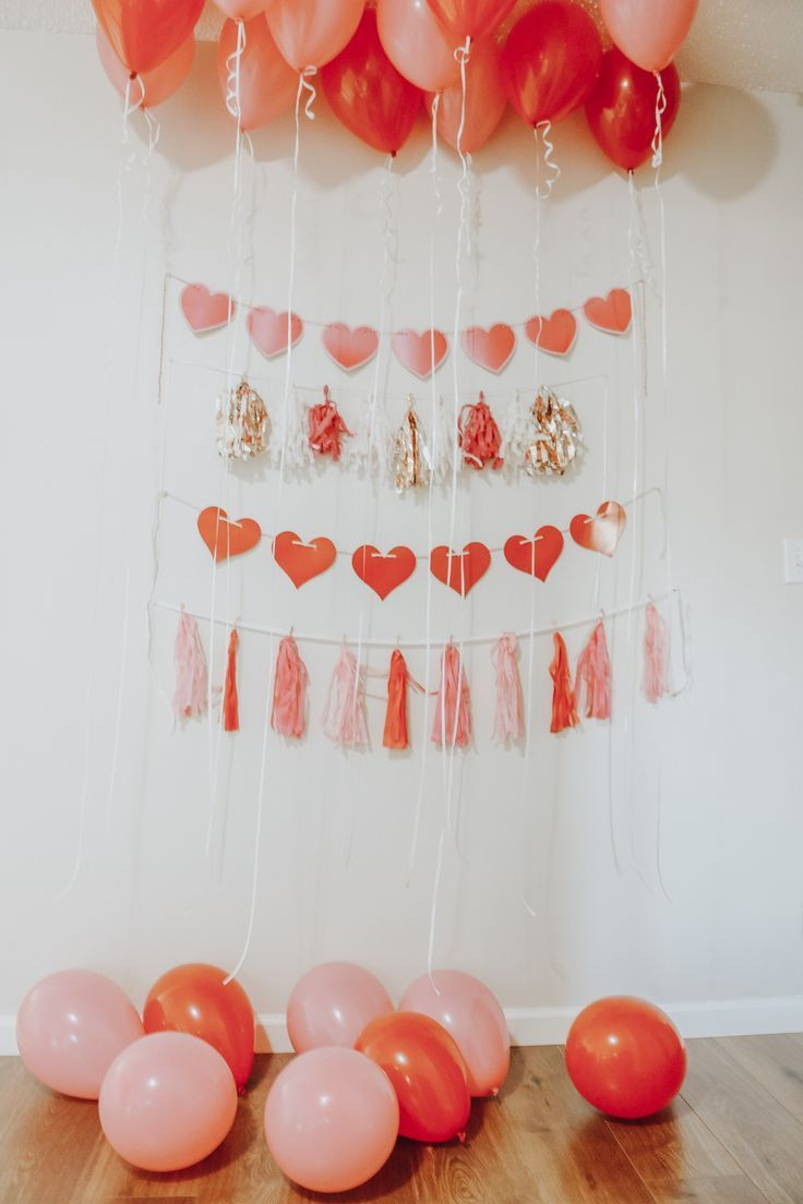 Valentine's Day, Galentine's Day, Valentine's Day Guide, guide, party guide, party, valentine, galentine, decorations, activities, food, gifts, chick flicks, fashion, friends, lifestyle, blogger, The Urban Darling.