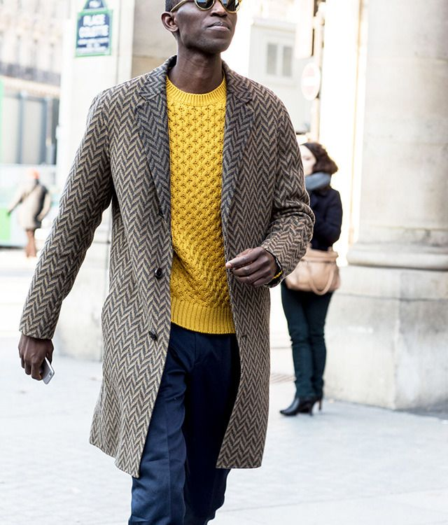 Второй день парижской Недели моды в 40 стритстайл-фотографиях