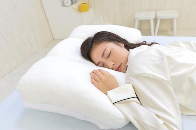 クローゼット級の収納ベッド これなら狭いベッドルームも有効活用でき