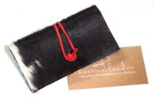 Enter now to win this recycled cowhide business card holder and other cool products from HOW magazine's November issue!