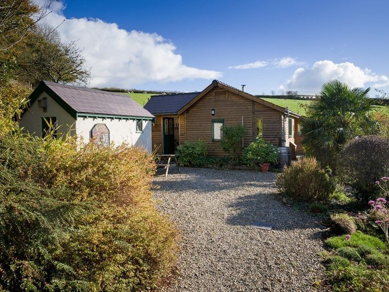 A Cosy Cabin For Two Dog Friendly Holiday Cottage Uk Dogfriendly Holiday Ho Sheepskin C In 2020 Holiday Cottages Uk Cottages Uk Dog Friendly Holiday Cottages