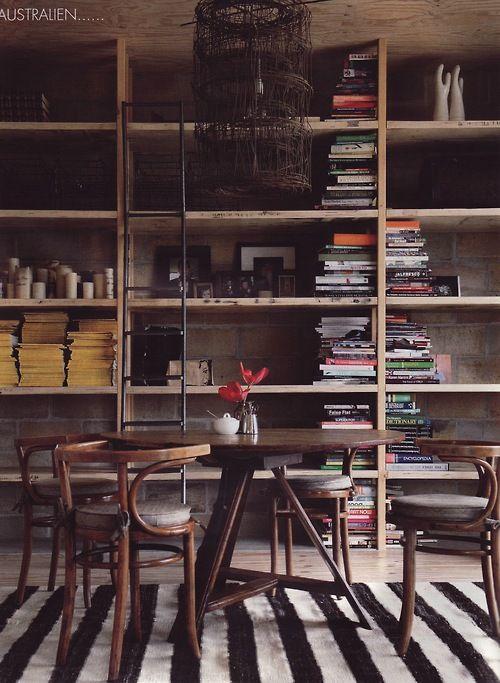 libri impilati in verticale