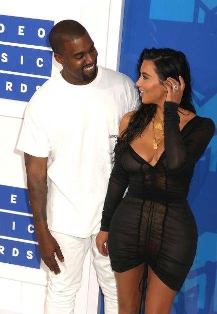 Kim Kardashian Kanye West Eine Leihmutter Fur Ihr Drittes Kind Kim Kardashian Kanye West Leihmutter Und Kim Kardashian