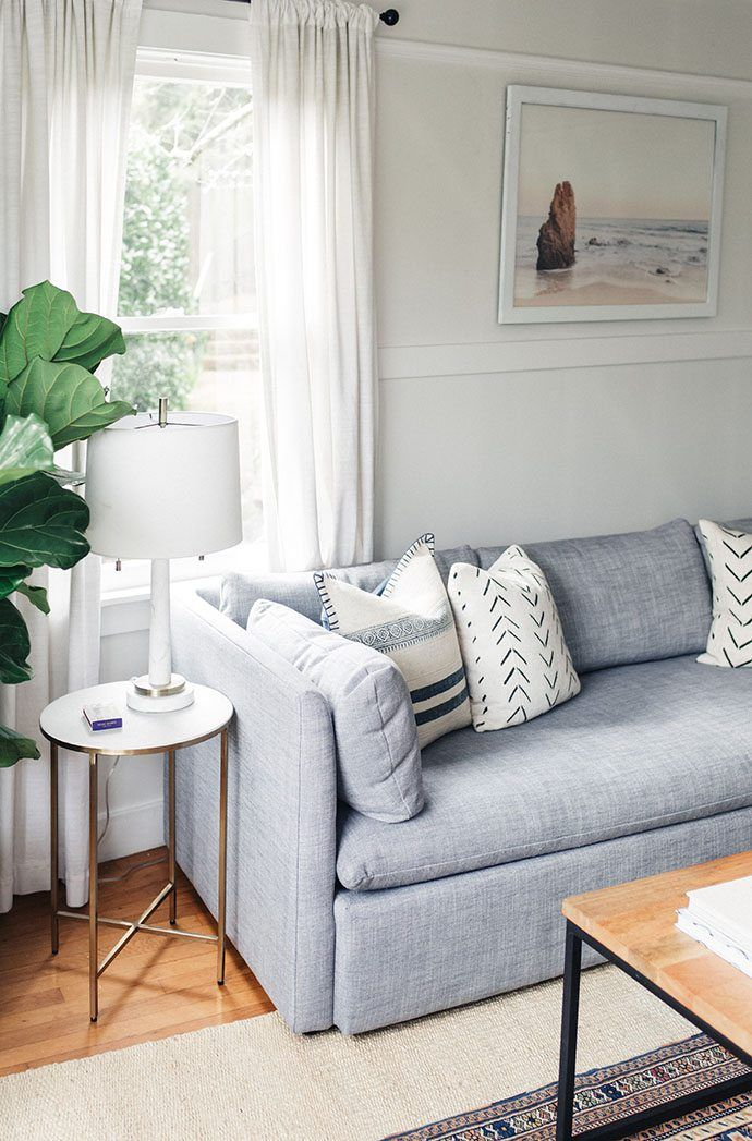 how to select  arrange throw pillows  living room