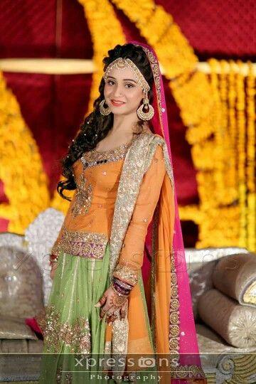 Mehndi dress | Dulhan (brides) | Pinterest | Mehndi dress ...