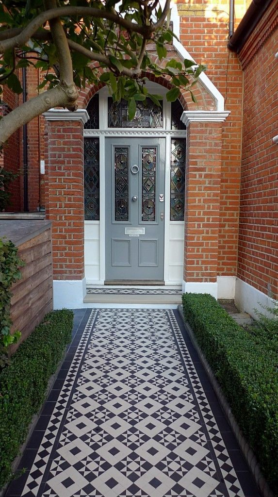 black and white victorian reproduction mosaic tile path battersea York stone rope edge buxus london front garden (17) #victorianfrontdoors