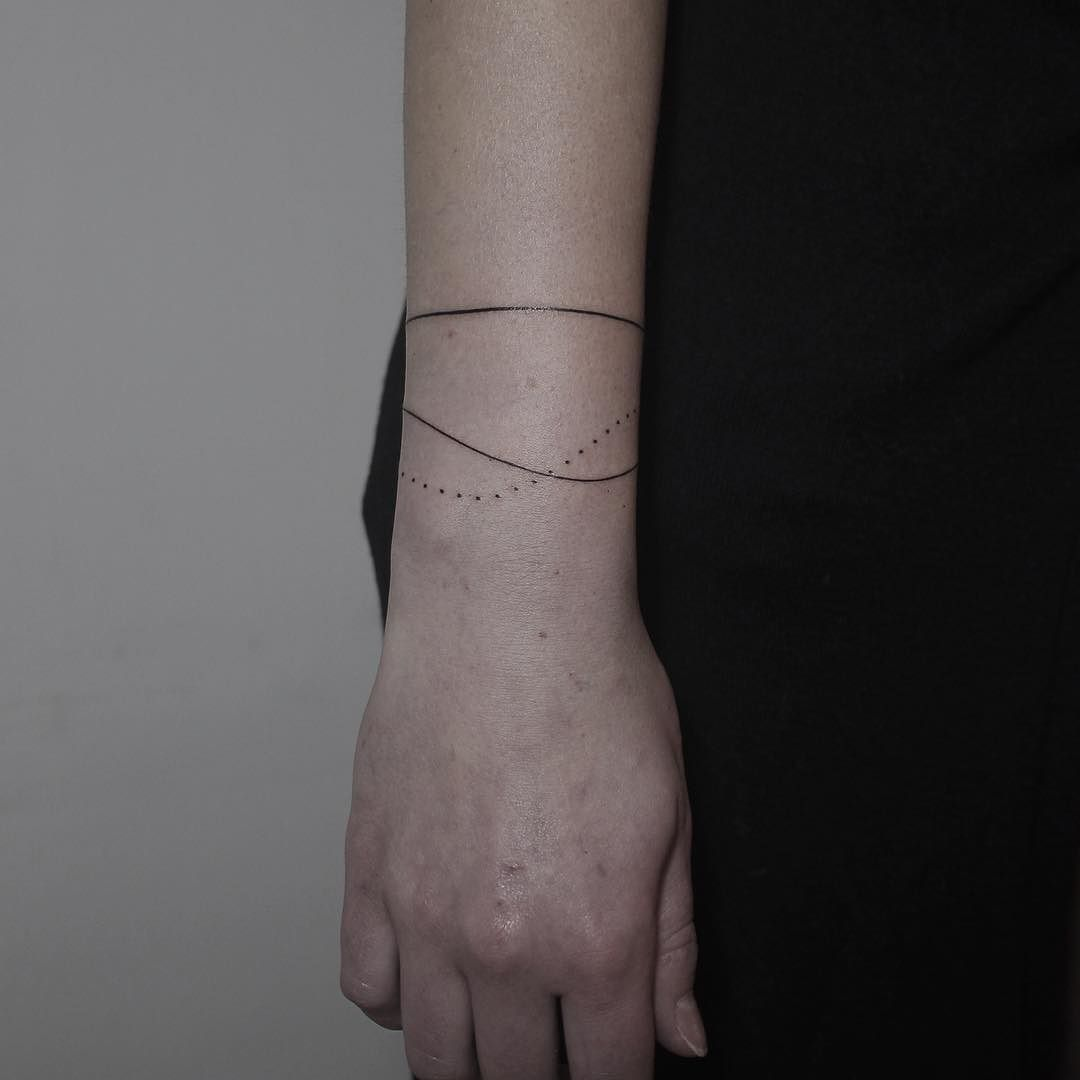 Bracelets wrist tattoos for men - 40 Beautiful Bracelet Tattoos For Men Women Tattooblend
