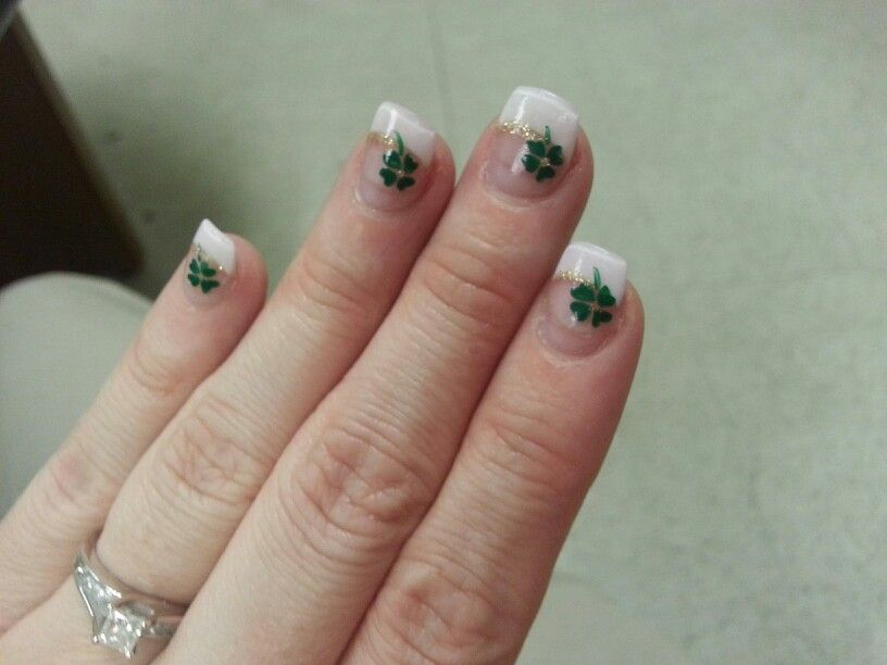 Four Leaf Clover Nail Design Nail Art Pinterest Leaf Clover