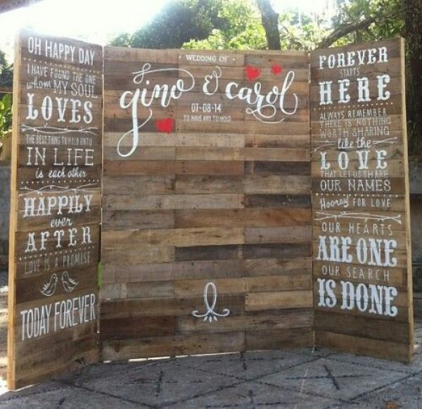 Wedding Ceremony Backdrops With Wooden Pallets
