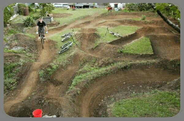 Pin By Caroline Ceconi On Bmx Dirt Track Designs Ramp Designs