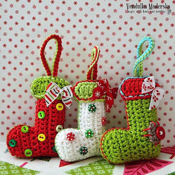 Crochet pattern – Christmas booties / sock ornament by VendulkaM / DIY, pdf / Decoration / Hanger