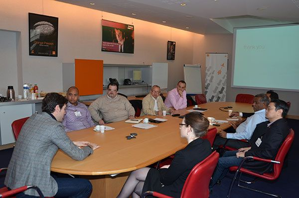 Orange invitó al Ministro de Salud y al Indotel a su sede en París