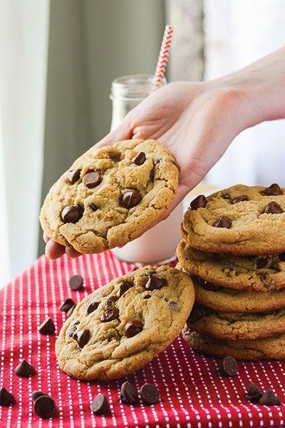 The MASTER Chocolate Chip Cookie Recipe. I've found it! | happymoneysaver.com