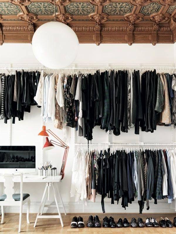 Offener kleiderschrank stange  Home-Office-begehbarer Kleiderschrank mit Kleiderstangen ...