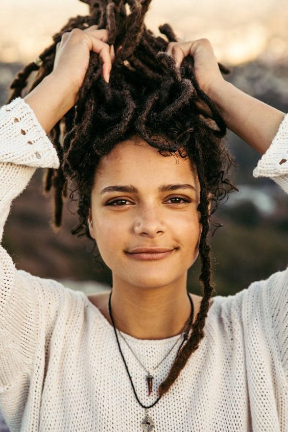 Are You Thinking Of Freeforming Your Locs Dreadlocks Here Are Some Tips On Getting Started And Let S Take A Holi Natural Hair Styles Dreadlocks Dreads Girl
